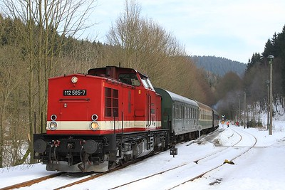 112 565 having run round after arrival at Holzhau with DPE68906/82283, 07.24 Cottbus - Holzhau (21.02.2015).