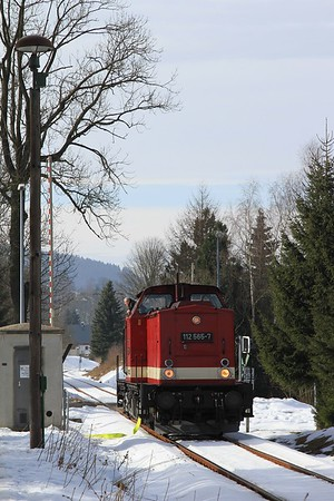 112 565 being watered after arrival at Holzhau with DPE68906/82283, 07.24 Cottbus - Holzhau (21.02.2015).