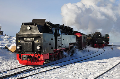 99 7247 departs Brocken with 8922, 13:59 service to Drei Annen Hohne (25.01.2014)