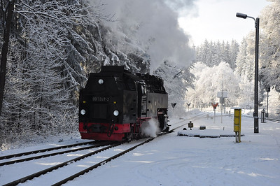 99 7247 backing onto 10:16 Nordhausen Nord - Brocken service at Drei Annen Hohne (25.01.2014)