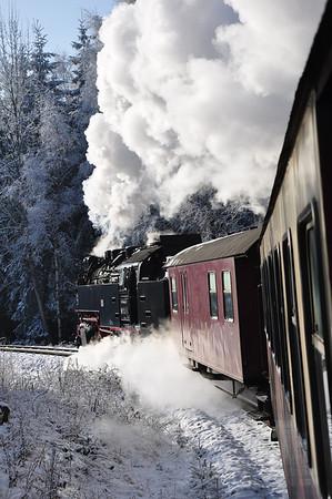 99 7247 heading 11:55 Wernigerode - Eisfelder Talmühle between Wernigerode and Drei Annen Hohne (25.01.2014)