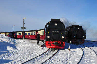 "99 7247 waiting to depart Brocken with 8922, 13:59 service to Drei Annen Hohne while 99 7237 waits with the return ""Quedlinburger Brocken Express"" (25.01.2014)"