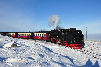 99 7247 waiting to depart Brocken with 8922, 13:59 service to Drei Annen Hohne (25.01.2014)