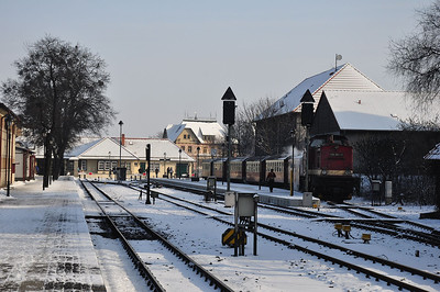Wernigerode Bhf with 199 861 positioning and pre-heating the stock for the next departure (25.01.2014)