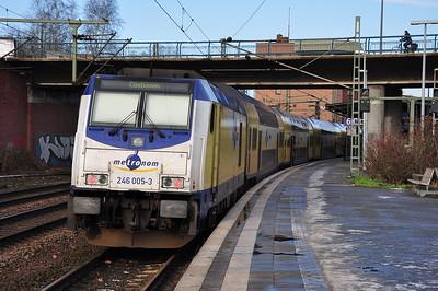 Metronom 246 005 at Hamburg-Harburg with ME81517, 1206 to Cuxhaven (02.02.2014)