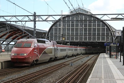 Thalys at Amsterdam Centraal forming THA9352, 13.17 Amsterdam Centraal - Paris Nord (04.04.2015).