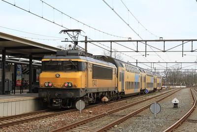 1740 at Oss with 4444, 12.56 's-Hertogenbosch - Nijmegen (03.04.2015).