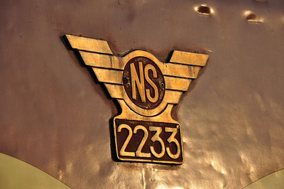 Close up of NS crest on the long hood of 2233