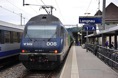 """BLS 465008 """"Niederhorn"""" at Langnau i.E. with RE3338, 1757 Luzern - Bern (25.08.2013)"""