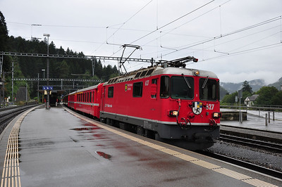 627 at Reichenau-Tamins with train RE1233, 08.44 Disentis/Muster - Scuol-Tarasp (25.08.2013)