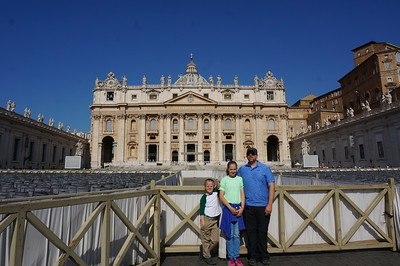 Elias, Ella and Daddy in front of St Peters Basilica at the Vatacan