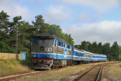 GoRail TEP70 0236 pauses at Liiva for a photo-stop on 0951 PTG 'Rail Wonders of Estonia' charter - 26/06/11