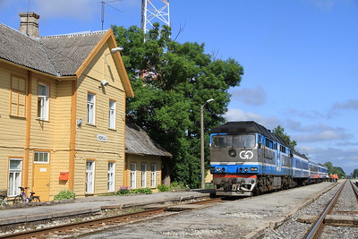 GoRail TEP70 0236 pauses at kohila for a photo-stop on 0951 PTG 'Rail Wonders of Estonia' charter - 26/06/11