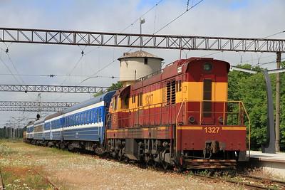 EVR 1327 at Keila on 0952 PTG 'Rail Wonders of Estonia' charter - 27/06/11