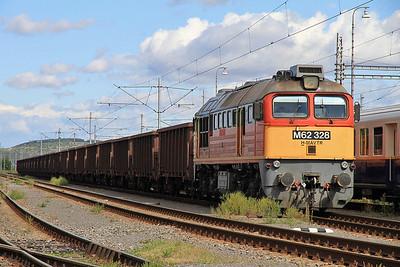 MÁV M62 328 at Slovenské Nové Mesto on a freight  - 09/09/11.