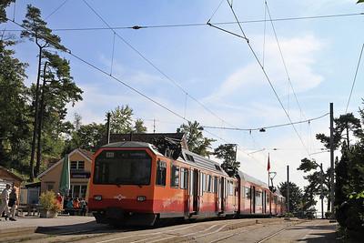 SZU EMU 426523 / 524 at Uetliburg on the 15.06 ex Zürich HB  - 22/09/11.