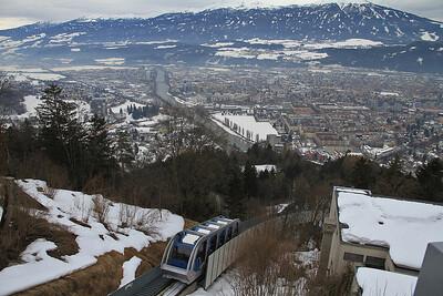 Funicular car no.2 departs Hungerburg heading down for Congress - 29/02/12.