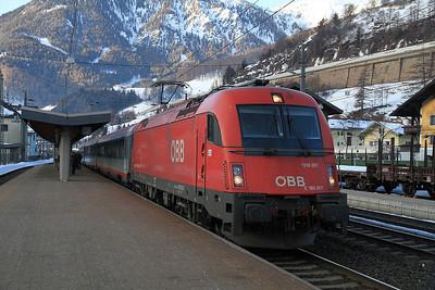 ÖBB 1216 007 arr Matrei on REX1870 05.02 Lienz-Innsbruck - 29/02/12.