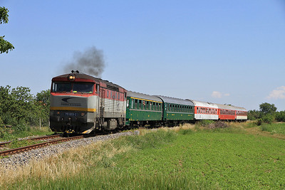 "ZSSKC 751033 performs a run past at KM 2.5 on the Neded branch on SSA ""Grumpy Tour 2012"" Day 3 (AM) - 24/06/12."