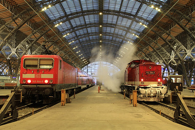 DB 143844 / RISS 112708, Leipzig Hbf, RE26009 07.11 ex Halle(Saale) / rear of DPE20343 08.12 'Sonderzug' to Freiberg (Sachs) - 01/12/12.