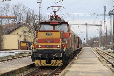 BDŽ 61008, Gorna Banja, 5611 17.00 Sofia-Petrič - 28/03/13.