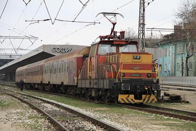 BDŽ 61008, Sofia Centrale, 5611 17.00 to Petrič - 28/03/13.