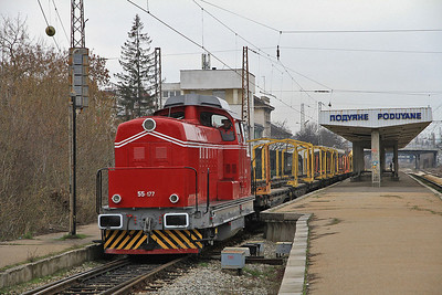 BDŽ 55177 passes Puduyane with an engineers train - 28/03/13.