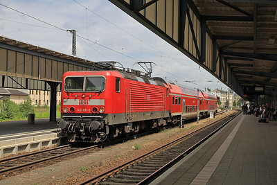 DB 143891, Zwickau (Sachs) Hbf, RE93451 13.37 to Leipzig (term. Lehndorf due to flood damage)