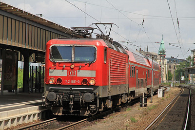 DB 143891, Zwickau (Sachs) Hbf, RE93451 13.37 to Leipzig (term. Lehndorf due to flood damage) - 04/07/13.