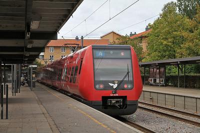 DSB EMU (SA 9198), Farum, 898 15.26 to Køge - 21/09/13.