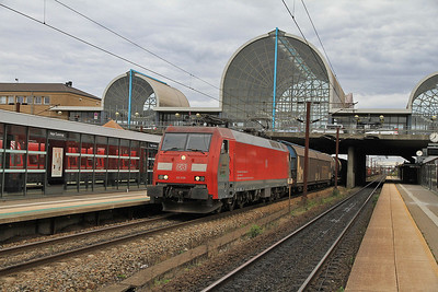 DB EG3105 passes Høje Taastrup with a freight from København towards Germany - 21/09/13.