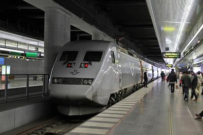 SJ 2043, Malmö C. (New low level platform), X2 546 16.29 København-Stockholm - 21/09/13.