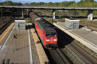 DB EG3105 passes Høje Taastrup with a København-bound freight - 21/09/13.