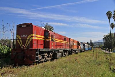 OSE A9101+A9105, Vrachneika, 7350 09.00 Patra-Katakolo charter - 11/04/13.