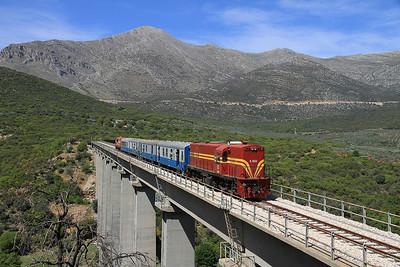 OSE A9101, photo stop on Sirtis viaduct, 7461 08.00 Kalamata-Korinthos charter - 13/04/13.