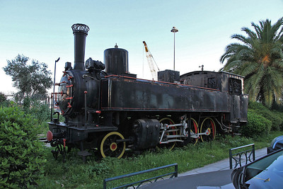 OSE 2-6-0T 7553 plinthed at Patra - 11/04/13.