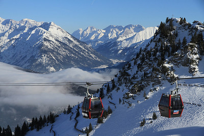 cable cars pass near the top station at the Hahnenkamm - 01/03/13.