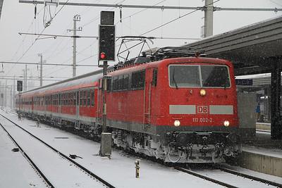 DB 111002, Innsbruck Hbf, R5416 12.38 to München - 24/02/13.
