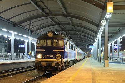 PKP EP07 1066, Katowice, I-64100 1918 ex Wrocław - 08/02/13.