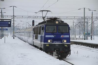 PKP EP09 011 arr Warszawa Zachodnia, I-6109 0448 Wrocław-Warszawa Wschodnia - 08/02/13.
