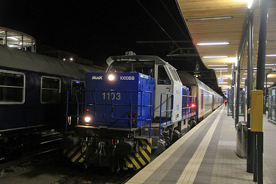 CFL 1103, Luxembourg, having just released the loco off 5904 04.39 ex Arlon  - 17/08/13.