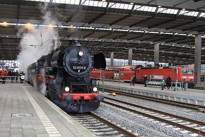 IGDN 52 8131, Chemnitz Hbf, DPE80334 08.05 Nossen-Neuhausen (Erzgb) 'Dampfsonderzug' - 06/12/14.