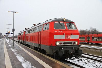 DB 218321+218297, Niebhüll, IC2311 09.26 Westerland (Sylt)-Stuttgart - 01/02/14.