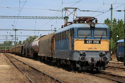 MÁV 431058, Kiskunhalas, Southbound freight - 28/06/14.