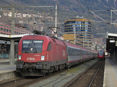 ÖBB 1116 084, Innsbruck Hbf, EC85 09.38 München-Bologna C. - 03/01/14.