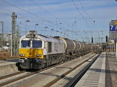 ECR 247 051 passes München Ost on an Oil train - 06/01/14.