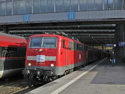 DB 111 036 (on hire to Meridian), München Hbf, M79021 12.44 to Salzburg (Vice EMU) - 06/01/14.