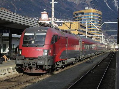 ÖBB 1116 220 arr Innsbruck Hbf, RJ160 07.30 Wien West-Zürich - 03/01/14.