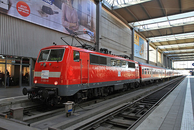 DB 111051 (on hire to Meridian), München Hbf, on rear of M79021 12.55 to Salzburg - 24/02/14.