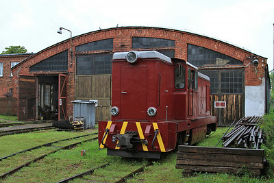 PGTKW Lxd2 465 outside the shed at Piaseczno Miasto - 08/08/14.